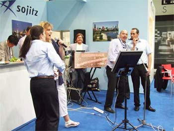 Karaoke-Event der Firma Sowitz als Messe Attraktion in Düsseldorf.